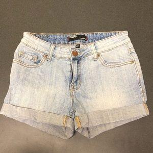 BDG Shortie Light Denim Cutoff Shorts size 27